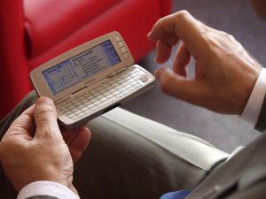 Navegando com um Nokia smartphone antigo
