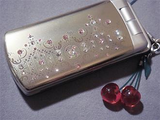 celular customizado com bijuterias